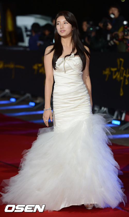 miss a suzy at the 49th grand bell awards red carpet