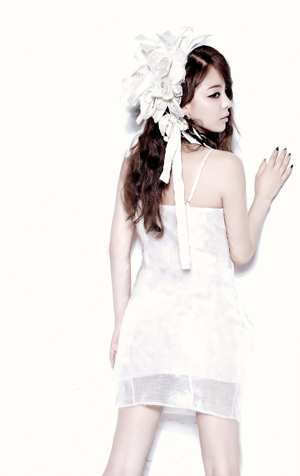 Ailee | KPOPGIRLSININDIA F(x) Kpop Red Light